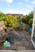 Looking back at this photo, a southern facing garden will be bliss all year round, even when its chilly the winter sun will keep shining on. Unless its cloudy, in which case... English weather *hmmph*